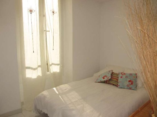 Bright suny bedroom